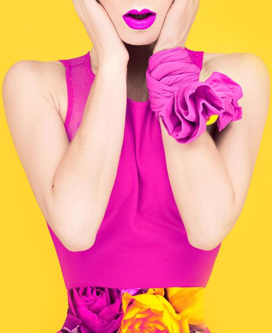 woman-yelloww